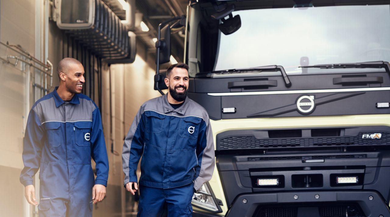 Un camion Volvo în service